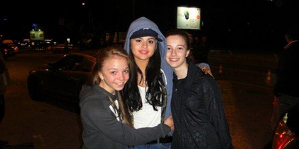 Photo de Sel' avec des fans