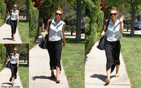 12/05 : Ashley s'est rendue comme d'habitude à son cours de Gym dans West Hollywood