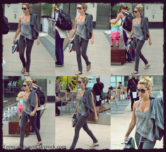 25/05 : Selena arrivant à l'aéroport LAX à Los Angeles où Justin est venu la chercher