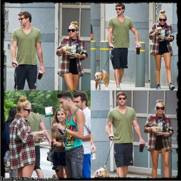 29/07 : Miam & Ziggy étaient de sortie, ils ont été vus sortant d'un Starbucks dans Piladelphie