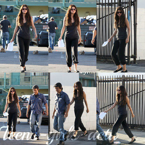 "06/08 : Selena a été aperçue sur le set de ""Feed The Dog"" à Los Angeles"