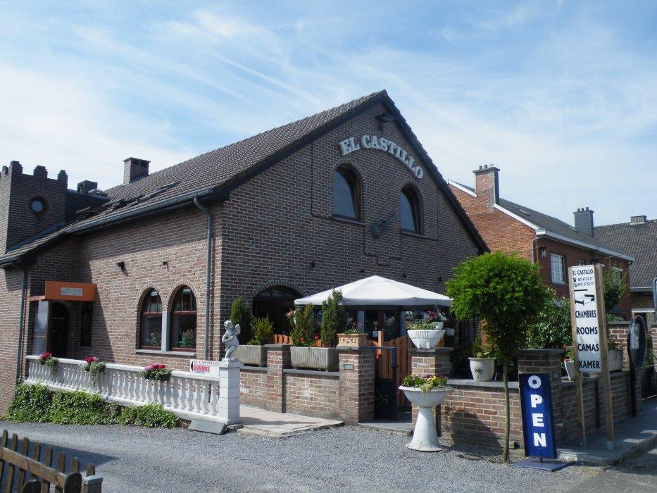 Hôtel - Restaurant      El Castillo