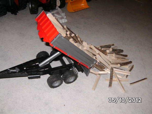déchargement de bois