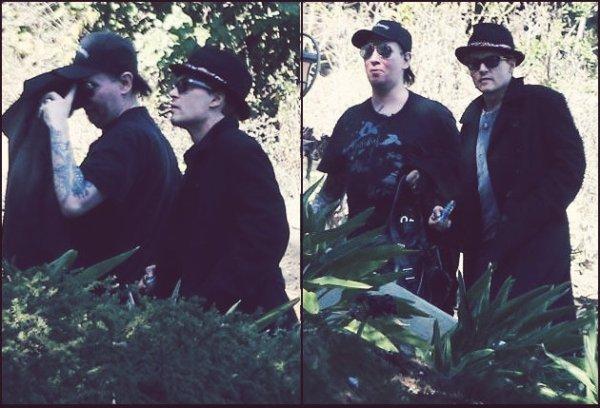 """Johnny Depp et Marilyn Manson: petite journée """"fumette"""" entre amis!"""