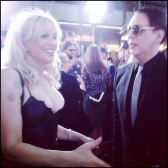 Marilyn Manson attaque Courtney Love sur Twitter.