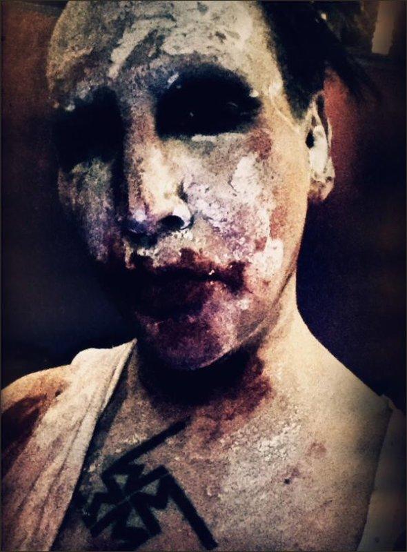 Manson sur Twitter