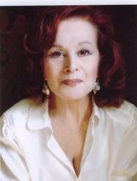 Manie (Maria Laborit), grand-mère de Clem et Salomé, mère de Caroline