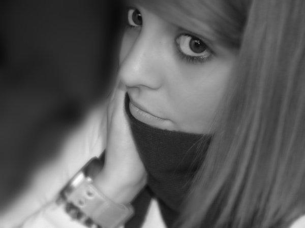 .•●« FairyLike ♦ Fifteen Years Old ♦ Ten March ♦ Love ♦ Belgium. »La vie est un zoo et l'amour un paquet de cacahouète.●•.
