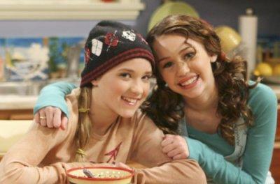 Miley Cyrus et Emily Osmont