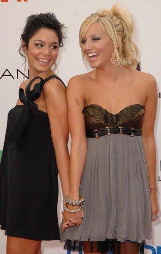 Ashley Tisdale et Vanessa Hudgens