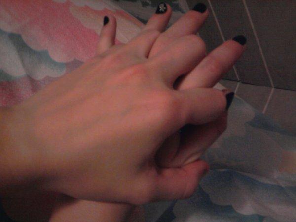 :. La magie du premier amour, C' est d' ignorer qu' il puisse finir un jour. .: