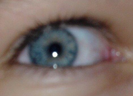 j'aime tes yeux mais je préfére les mien car sens eux je ne pourait pas voir les tiens