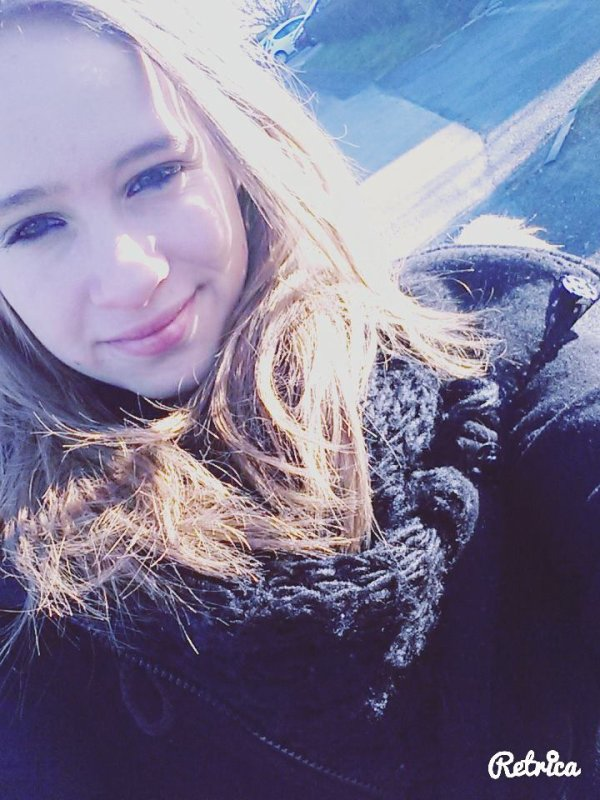 Se sourire est faux..♥