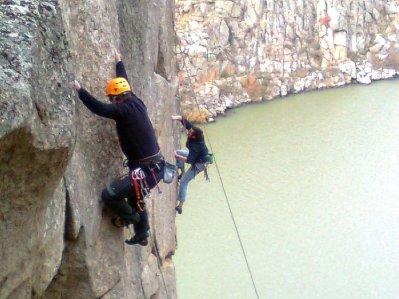 Otro domigo más de noviembre..., escalando en Muelas.