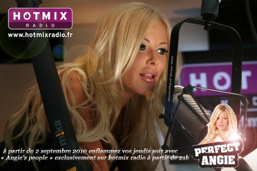 02 / 09 / 10 :  Angie débarque sur hotmix radio