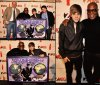 """10.12.10  Hello ! Hello ! Les Belliebers =) Je reprends du service après un très long temps d'abscence !!  Pour commencer : Hier au Hammerstein Ballroom (New York), un  evenement très spéciale a eut lieu, il s'est vu remettre une milti-plaque par Island Def Jam pour avoir vendu 9 millions d'albums dans le Monde. Après ça, il s'est rendu au Madison Square Garden pour les """"Z100's Jingle Ball 2010"""". Bravo Justin !!"""