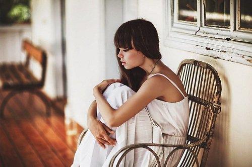 La pire des sensations est sûrement d'être oublié par quelqu'un qu'on oubliera jamais -  Inconnu