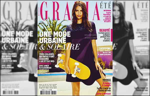 - • Emily Ratajkowski, une skateuse ultra sexy en Une du magazine français -  « Grazia » ! C'est donc de bonne heure, qu'Emi se livre complètement pour le magazine français. Aussi, découvrez les clichés réalisés par Jason Kim..  -