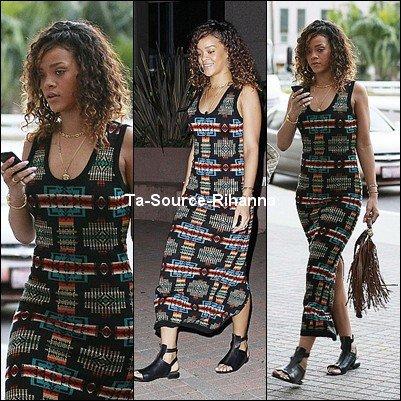 14 Janvier 2012 - Rihanna allant à un rendez-vous médical.