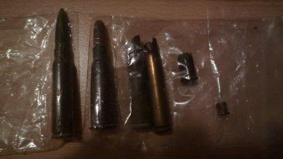 Balles et douilles de différents calibre.