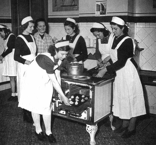 Les écoles ménagères des Houillères