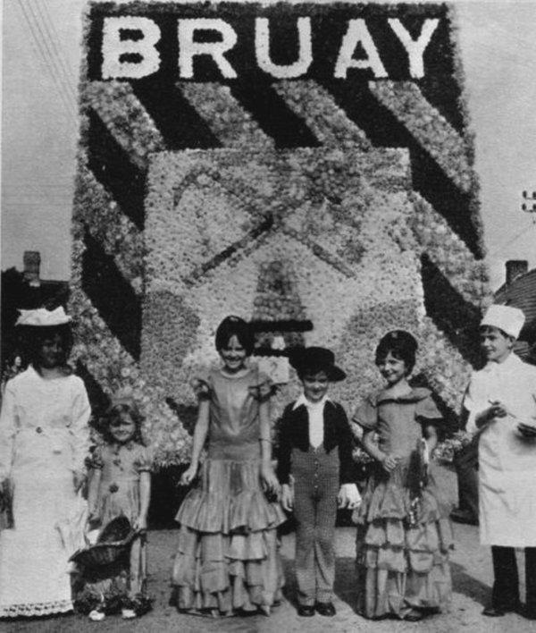 Bruay en Artois, Floralies et Corso fleuri au début des années 70.