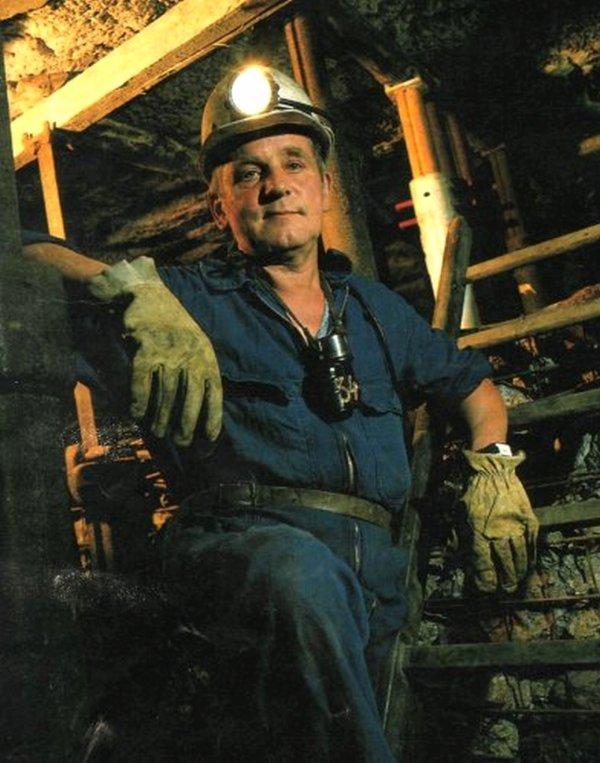 Hommage à Bernard Urbaczka, ancienne gueule noire, créateur du musée minier d'Oignies.