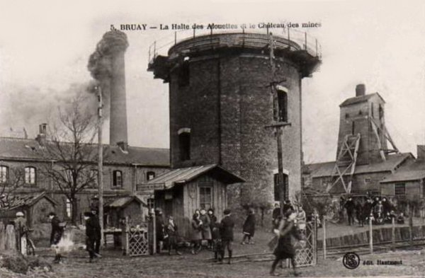 Vue ancienne de Bruay en Artois: La halte des  Alouettes, quartier de la fosse  N°4.
