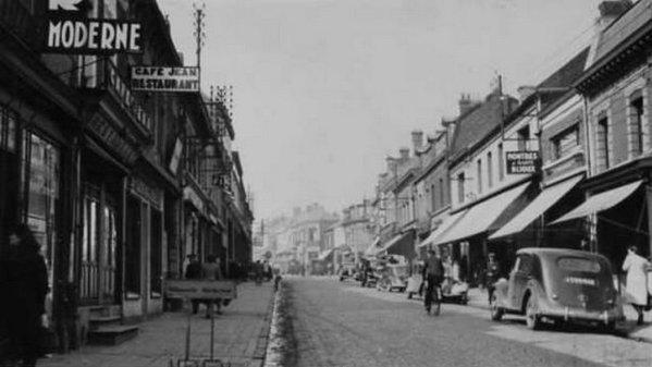 Vue ancienne de Bruay en Artois: La rue Henri Cadot Quartier de la fosse N°1 - 3/3