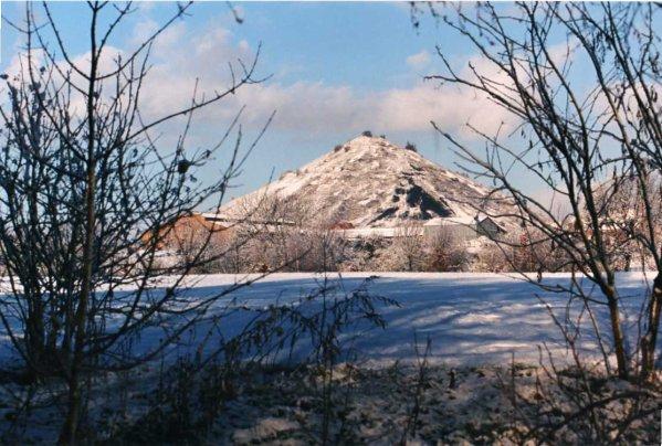 Terril de la fosse N°3 de Bruay en Artois photographié dans les années 70