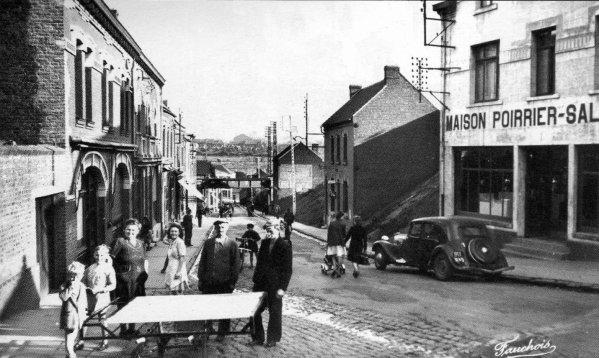 Rue Basly du quartier du N° 3 de Bruay en Artois dans les années 50.