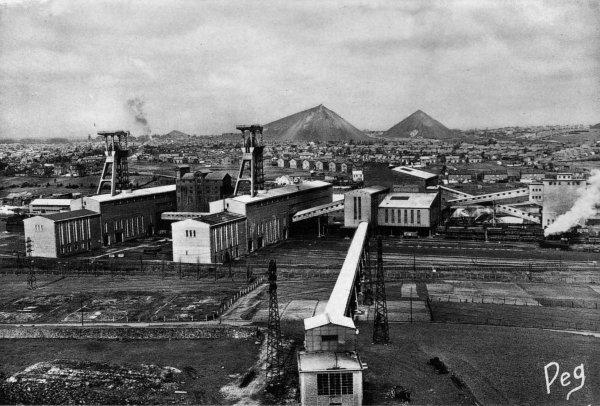 Vestiges industriels minier des HBNPC . Fosse N° 2 de Marles les Mines 3/3