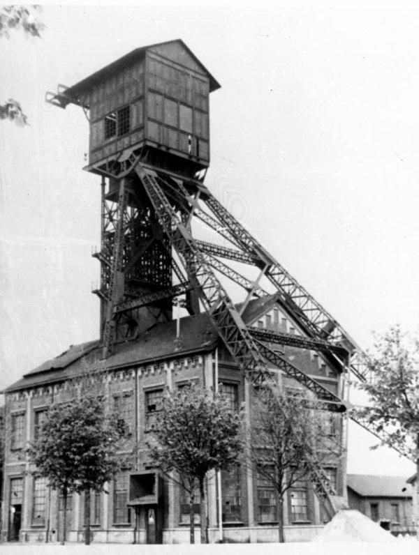 Chevalement de la fosse N°7 de Bruay en Artois à Houdain
