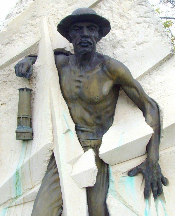 Mémorial du mineur de Vendin le Vieil - 2/2