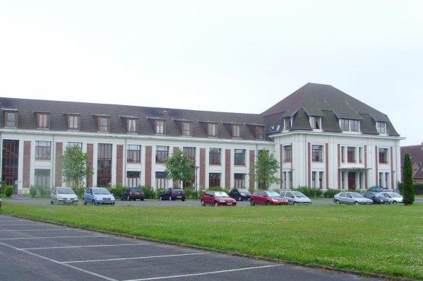 Les grands bureaux de la Compagnie des Houillères de la Compagnie de Noeux les Mines.