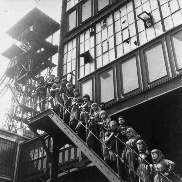 Groupe de trieuses des mines de Lens années 1930.