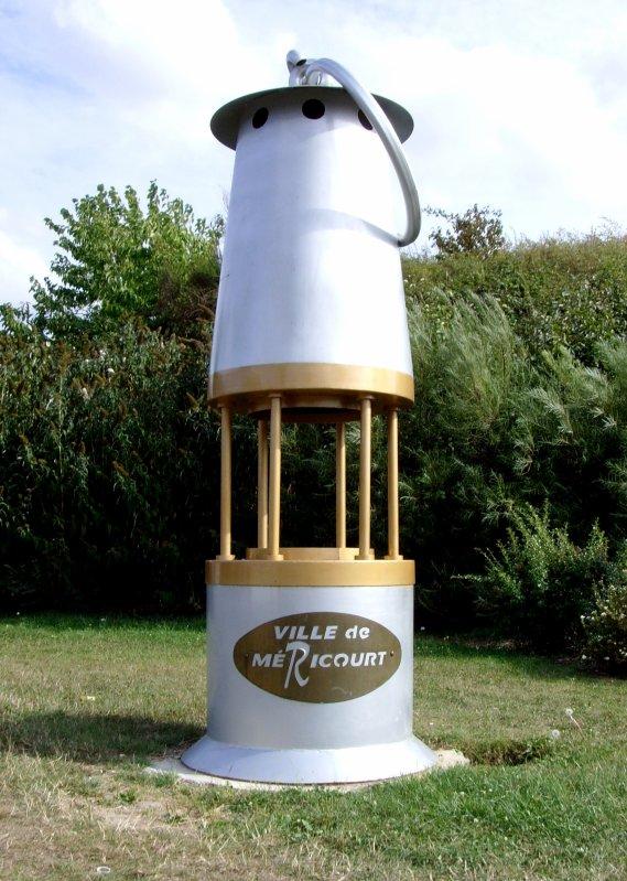Lampe de mineur du mémorial de Méricourt, oeuvre des élèves du lycée H.Darras de Liévin.