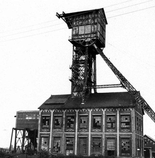 Mollette de la fosse N°7 d'Houdain, Compagnie des Mines de Bruay en Artois. 2/3