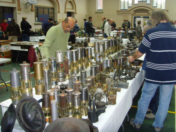 MINING 2009, ce matin à la salle Courbelle de Bully les Mines.