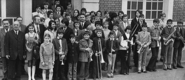 Les élèves de l'école de musique de Bruay en Artois en 1970.