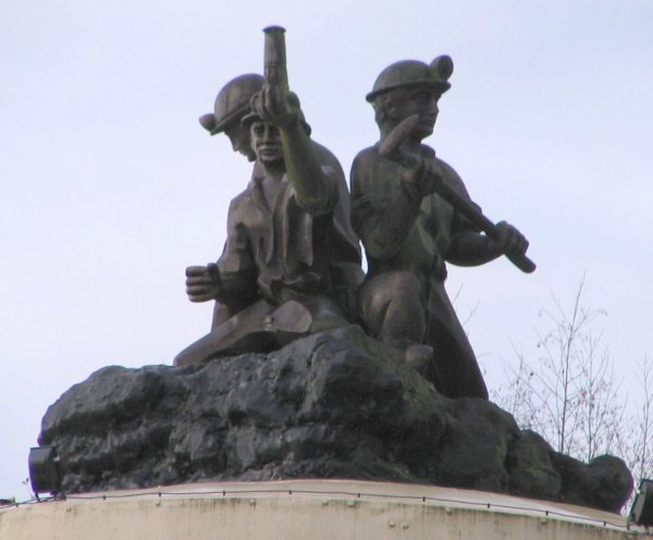 Le mémorial du mineur de Bruay.