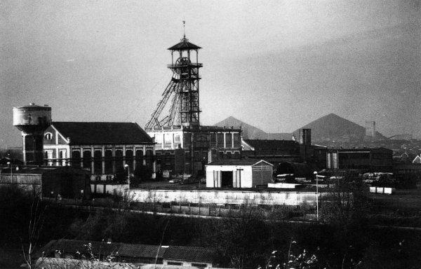 Fosse N° 4 des mines de Lens 1864 - 1987