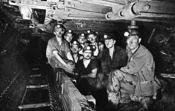 Images du fond, taille 72 du siège 2 de Marles les Mines en 1965.
