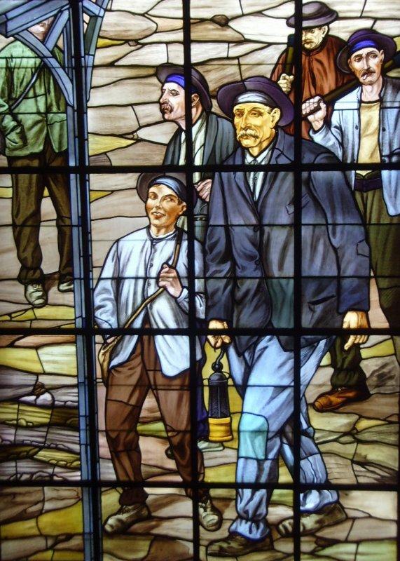 """Exposition """" A ciel ouvert """" les vitraux de l' Hôtel de ville de Bruay- La - Buissière"""