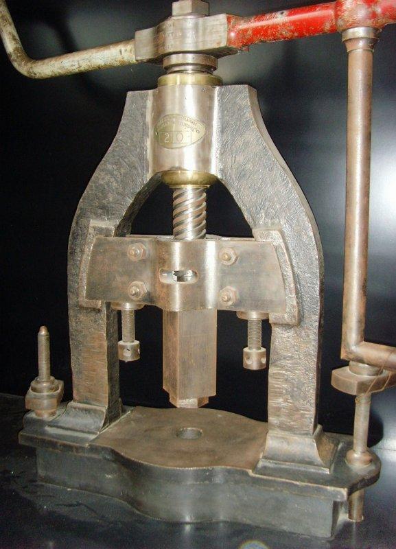 ARRAS, histoire de la prestigieuse fabrique de lampes minières - 1