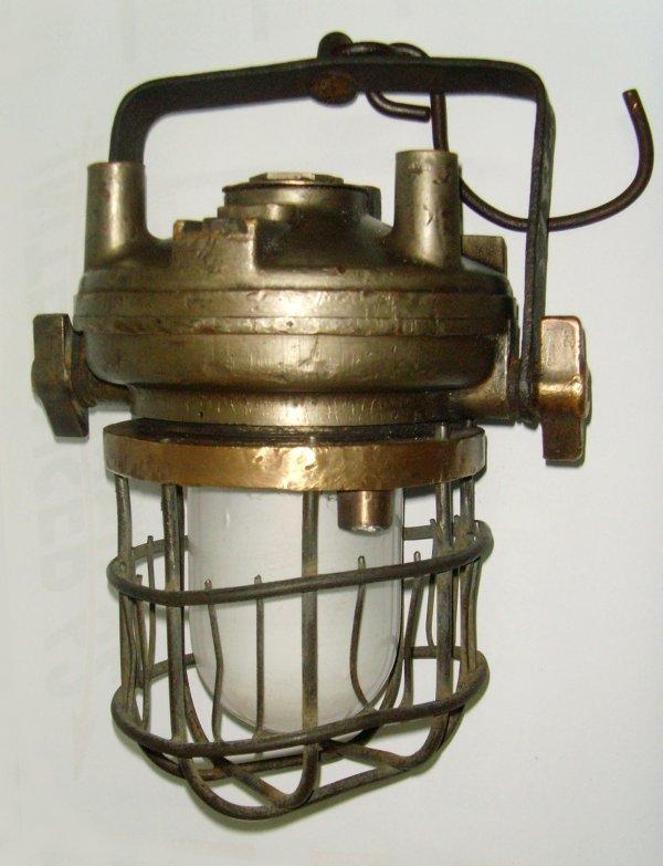 Lampes de mine à air comprimé ARRAS dite lampes turbinaires.