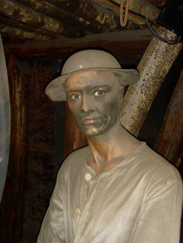 """Exposition """" Des machines et des hommes """" au Centre Historique Minier de Lewarde -1"""