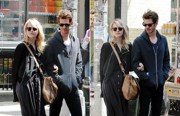 14.05.2013 : Emma et Andrew Garfield se promenant dans les rues de New-York (pour changer).