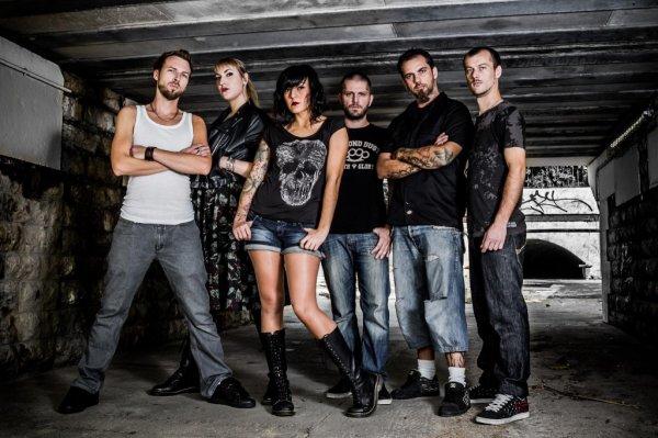 News Eths: Candice quitte le groupe