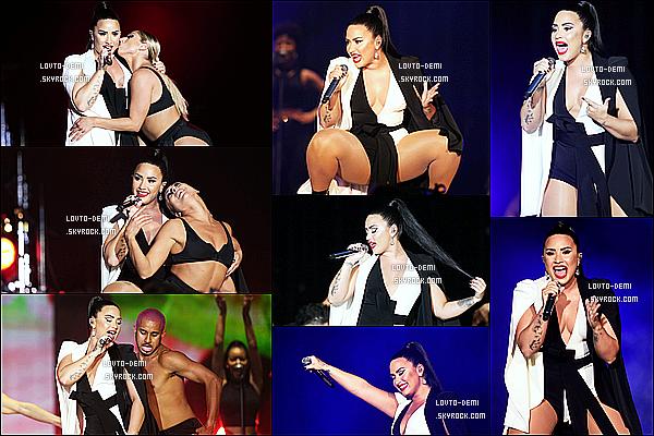 * 24/06/18 :    Demi Lovato a perfomé lors du « Rock In Rio Lisboa Music Festival », au parc Bela Vista, à Lisbonne. Entre sa tournée et les festivals, Demi enchaîne les concerts. Elle est vraiment sublime. J'adore sa mise en beauté et j'aime bien ses tenues aussi. Tops.  *